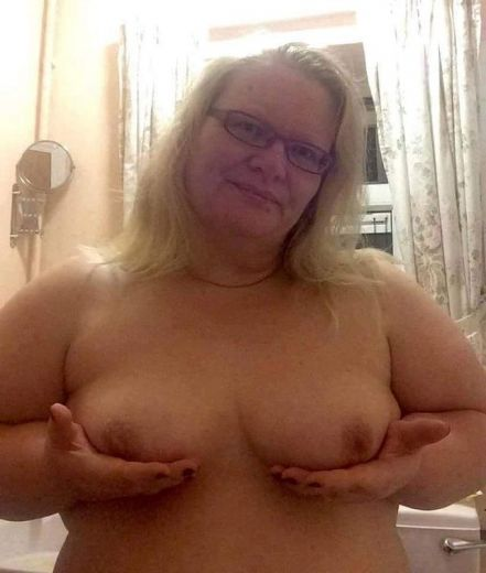 busty bbw for you